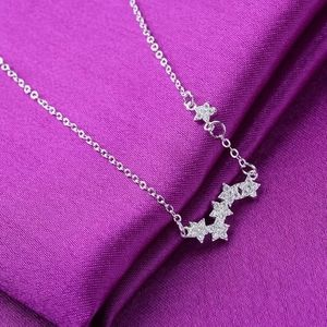 Jewelry - Crystal stars necklace